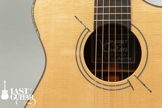 Voyagaer Guitars VA (8).jpg